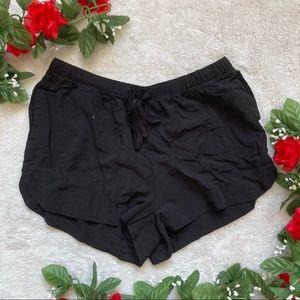 Garage Black Viscose Pocketed Short Extra Small